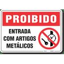 1728-placa-proibido-entrada-com-artigos-metalicos-pvc-semi-rigido-26x18cm-furos-6mm-parafusos-nao-incluidos-1
