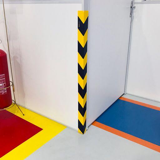 4688-cantoneira-zebrada-de-plastico-rigido-amarela-e-preto-100x5cm-1-und-ps-amarelo-2mm-100x5cm-1